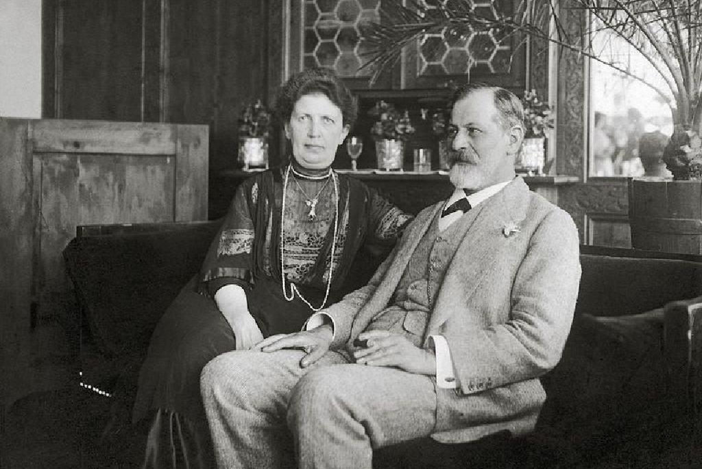 Freudo varpos pavydas moterims)